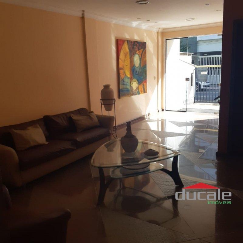Aluga Apartamento com elevador e varanda em Jardim da Penha - AP1612