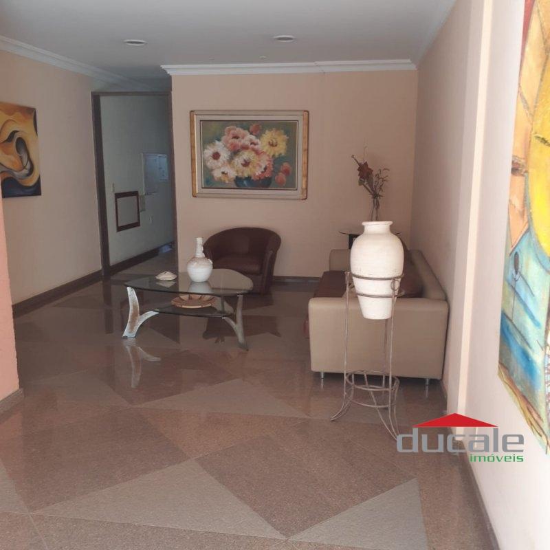 Aluga-se apartamento com elevador e varanda em Jardim da Penha - AP1620