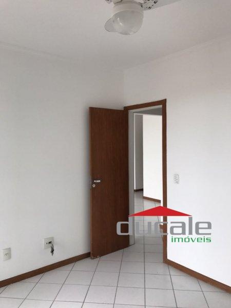 Vende apartamento com lazer e elevador na Praia do Canto - AP1624