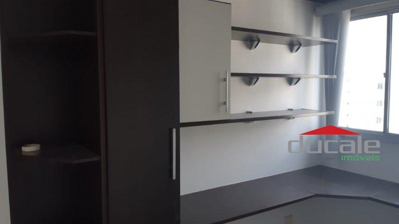 Aluga apartamento com varanda em andar alto em Jardim Camburi - AP1631