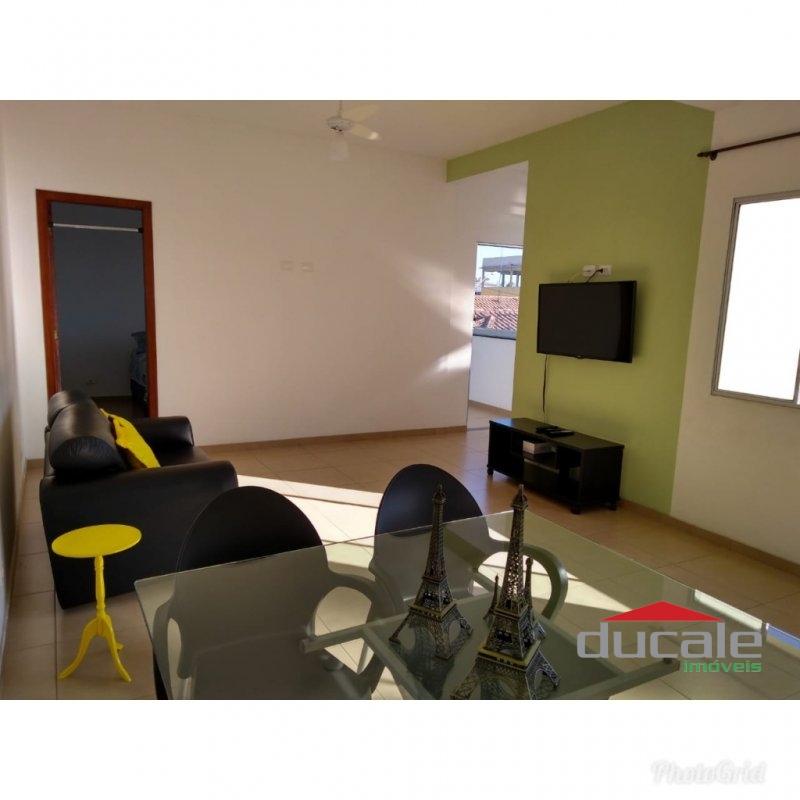 Aluga-se ótima casa reformada em Manoel Plaza - CA1636