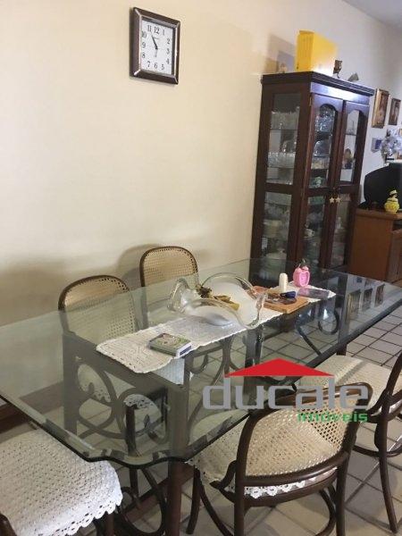 Vende apartamento com acesso ao Clube Novo, na Mata da Praia - AP1663