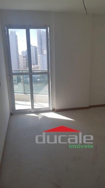 Edifício Spazio Moreira Lima, vende apartamento andar alto com varanda em Bento Ferreira - AP1668