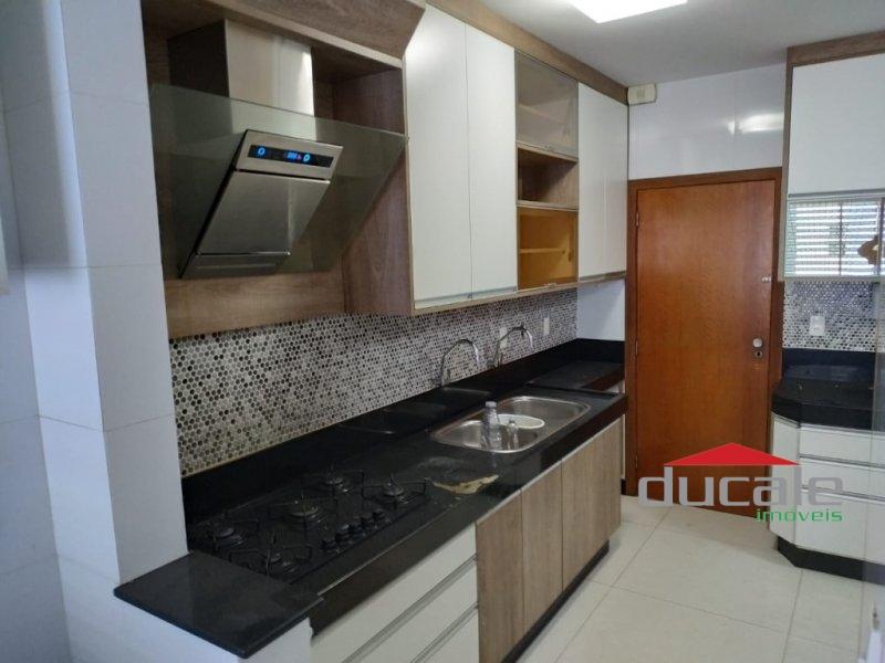 Vende Lindo apartamento na Mata da Praia, condomínio no Clube A - AP1702