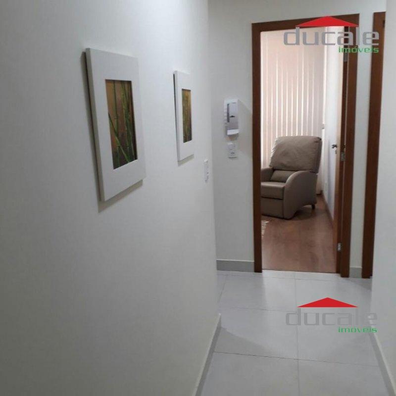 Aluga Sala Comercial em Santa Lúcia - SA1735