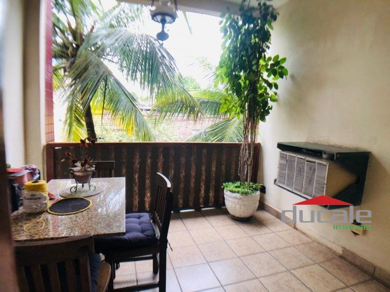 Vende Casa Duplex no Bairro República - CA1893