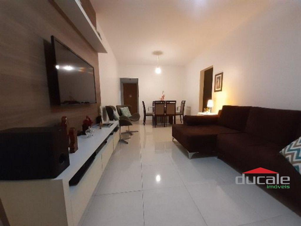 Vende Apartamento Grande com Varanda de Frente em Jardim da Penha - AP1990
