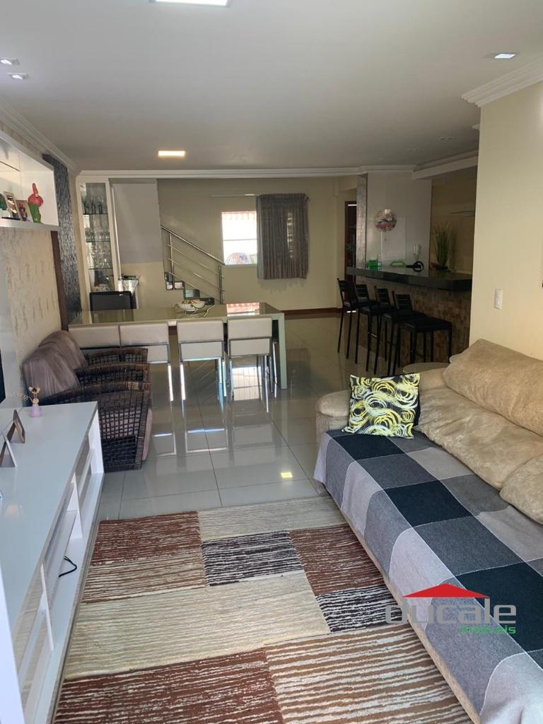Vende Casa Duplex em Jardim Camburi - CA2022