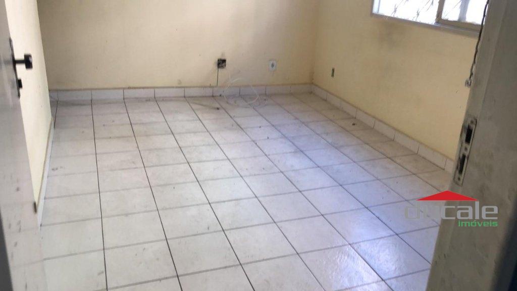 Vende apartamento bem localizado na Praia de Itapoã - AP2041
