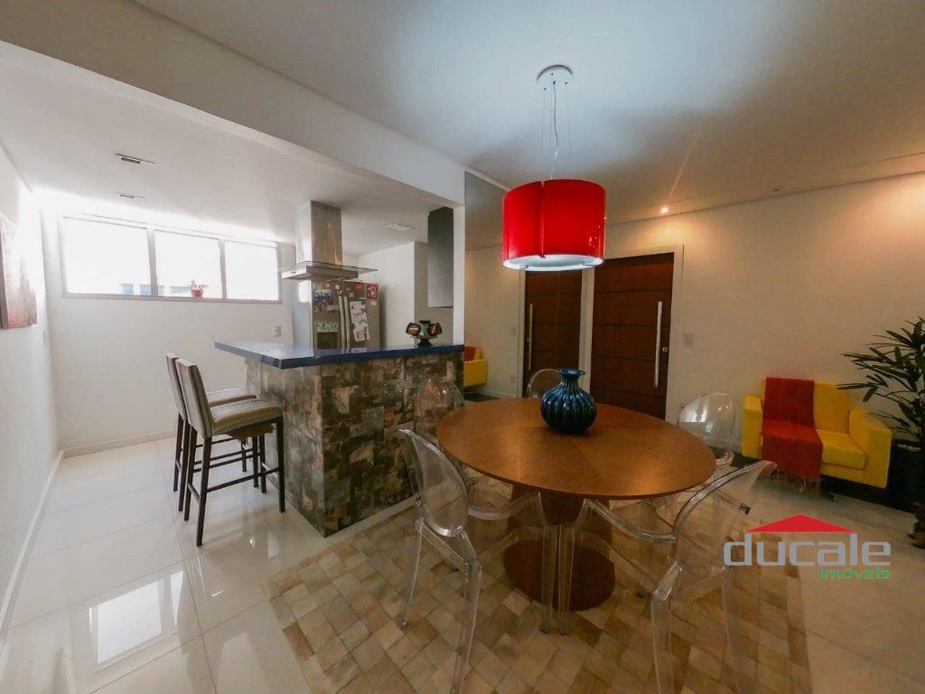 Vende lindo apartamento 3 quartos suíte com elevador na Mata da Praia - AP2058