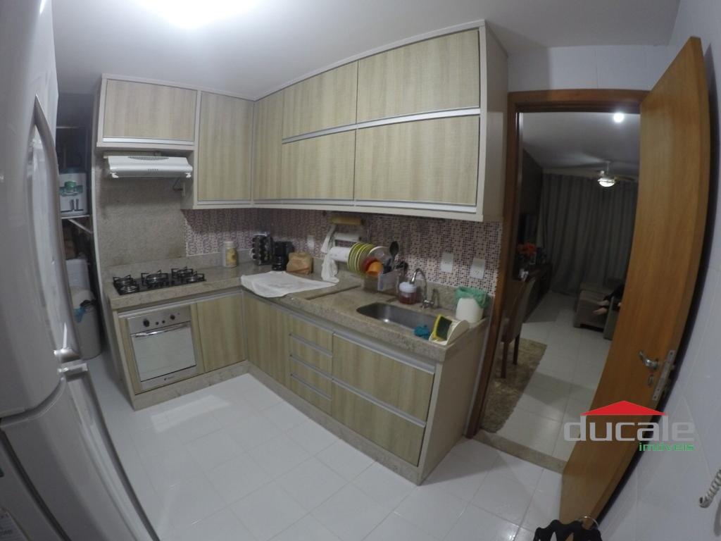 Vende Apartamento 3 qts varanda na Praia da Costa - AP2078