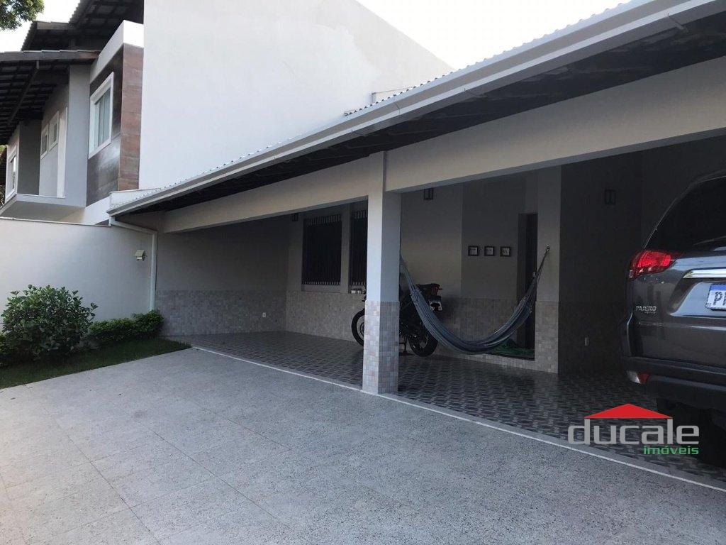 Vende Casa Ampla na Morada de Camburi - AP2068