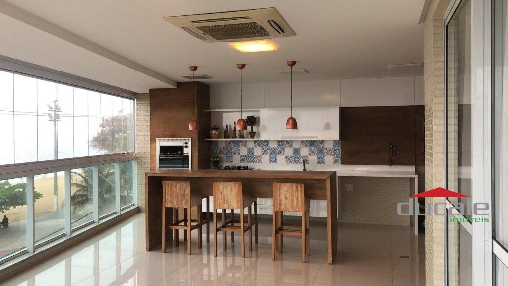 Vende Apartamento de Alto Padrão frente ao mar da Praia de Itapuã - AP2090