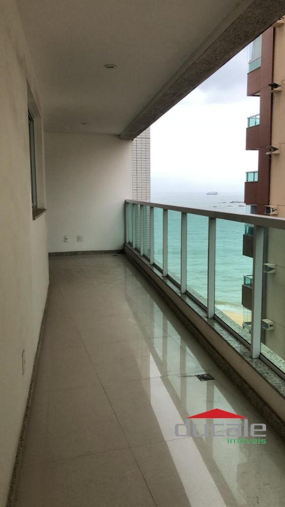 Vende apartamento próximo ao mar da Praia de Itapoã - AP2094