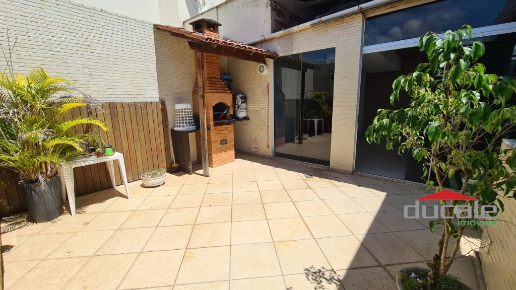 Vende Cobertura Linear 200 m² na Quadra do Mar de Jardim Camburi - CO2205