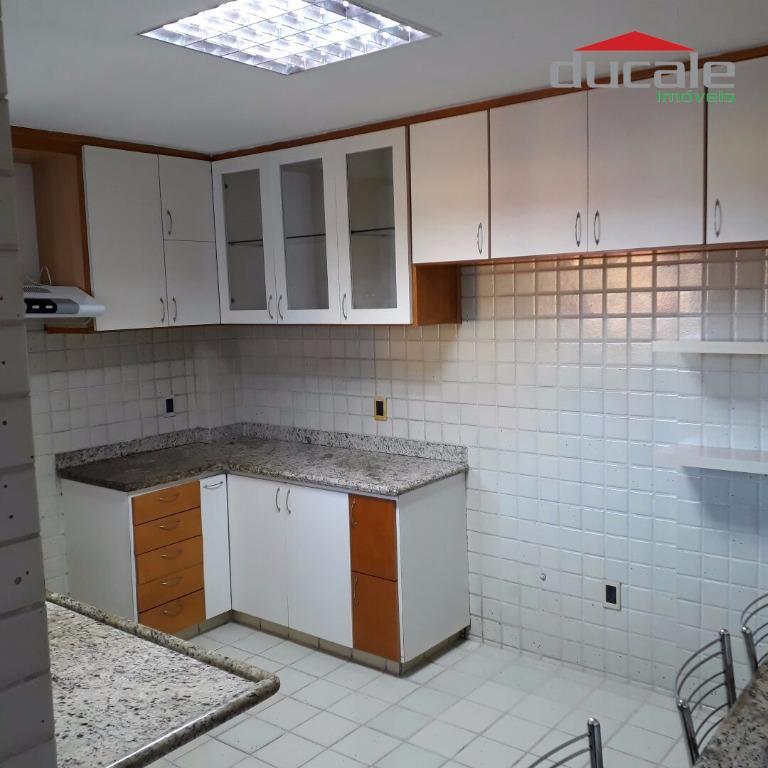 Cobertura Duplex - 3 quartos sendo 2 suítes, 2 vagas de garagem em Jardim Camburi - CO0047