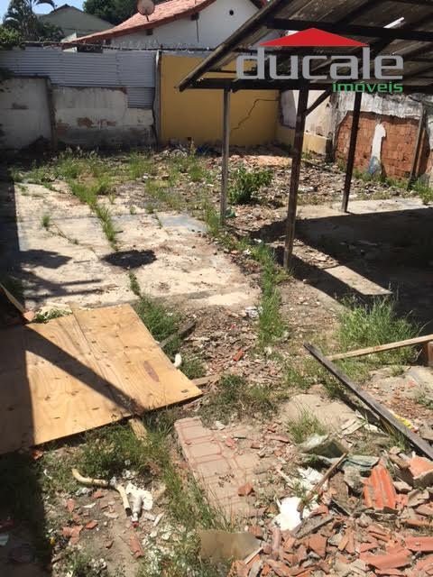 Terreno (com casa edificada precisando reforma) em Bento Ferreira - TE0018